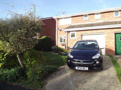 3 Bedrooms Semi Detached House for sale in Fordingbridge, Hampshire