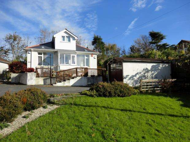 2 Bedrooms Detached Bungalow for sale in Lancaster Gardens, Plymouth, Devon