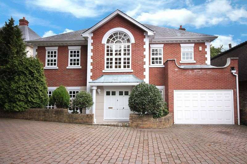 5 Bedrooms Detached House for sale in Park Hill, Loughton