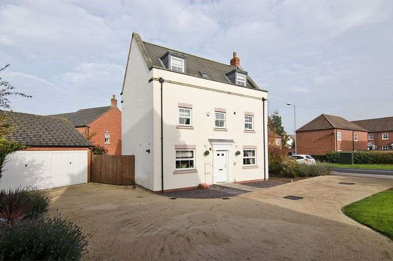 5 Bedrooms Detached House for sale in Deykin Road, Darwin Park, Lichfield