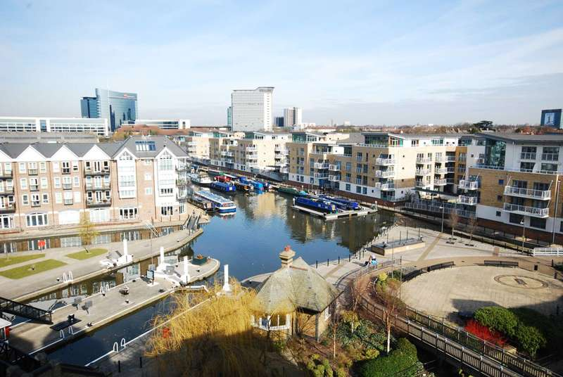 3 Bedrooms Flat for sale in Brentford Lock, Brentford, TW8