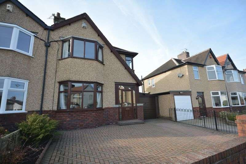 3 Bedrooms Semi Detached House for sale in Poulton Avenue, Accrington