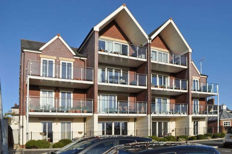 3 Bedrooms Flat for sale in St DAVIDS