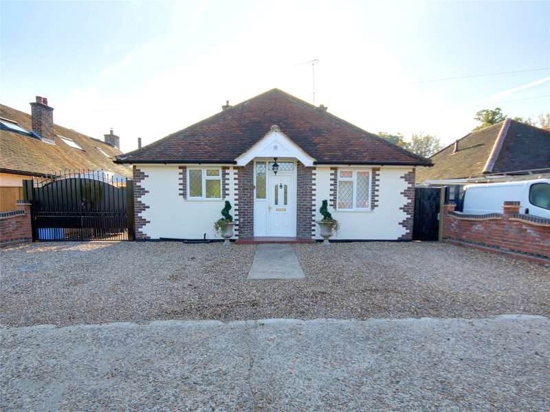 3 Bedrooms Detached Bungalow for sale in Bourne Way, Addlestone, Surrey, KT15