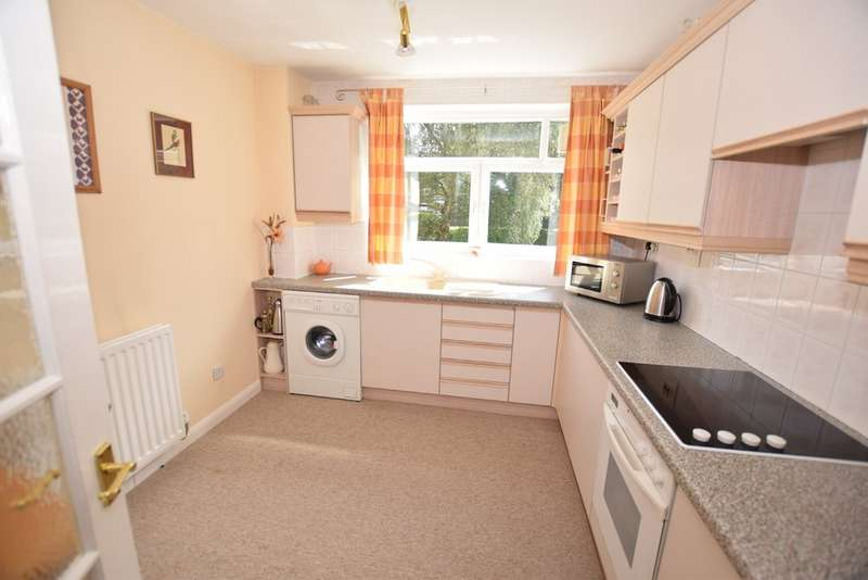 3 Bedrooms Ground Flat for sale in Riverside Drive, Solihull