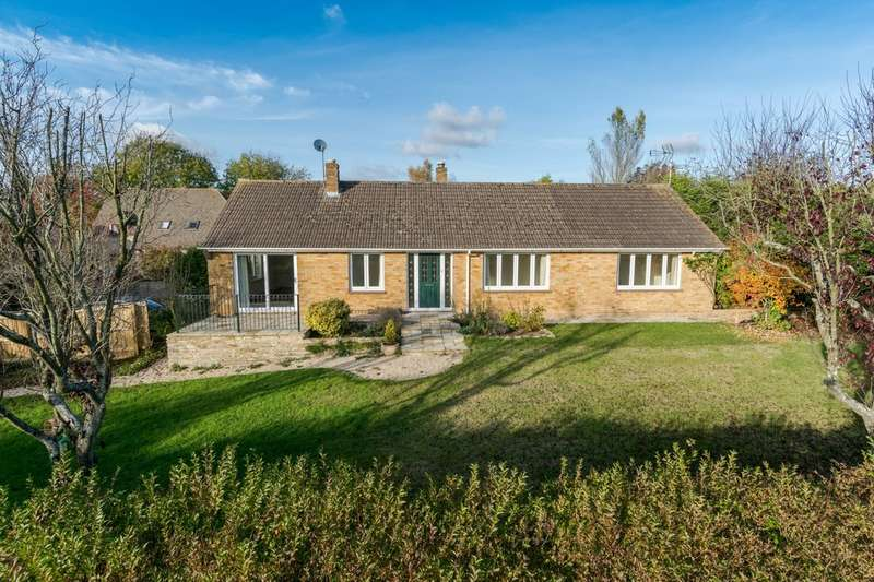 4 Bedrooms Detached Bungalow for sale in Great Somerford