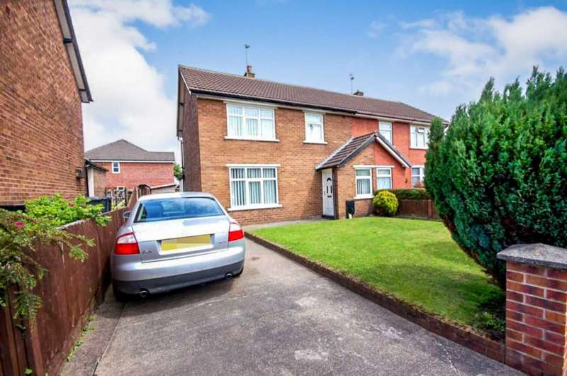 3 Bedrooms Semi Detached House for sale in Meadow Close, Clifton
