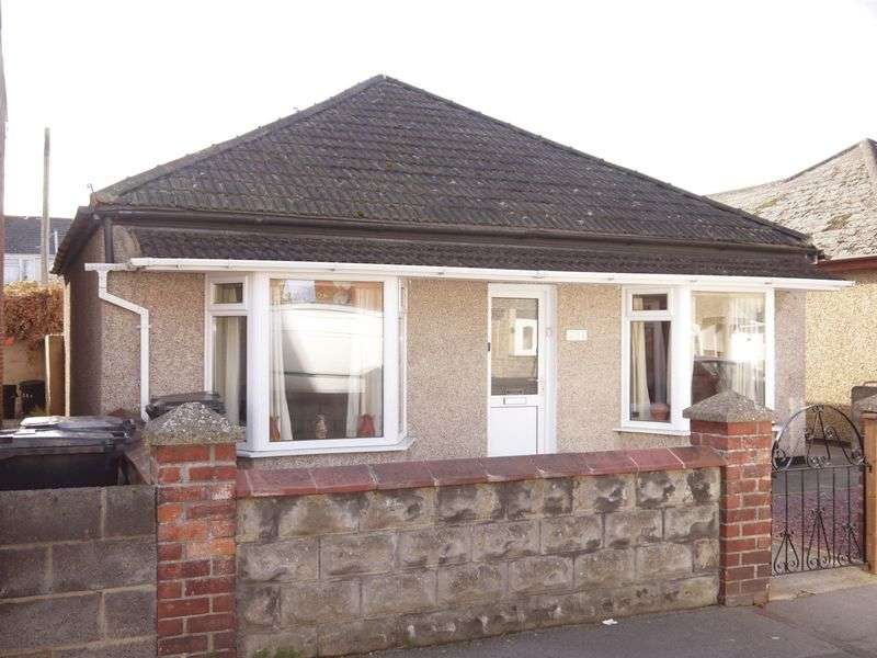 2 Bedrooms Bungalow for sale in Ferndale Road, Swindon