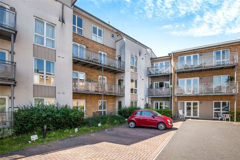 2 Bedrooms Flat for sale in Isis House, Bridge Wharf, Chertsey, Surrey, KT16