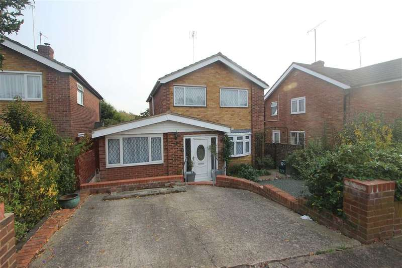 4 Bedrooms Detached House for sale in Wesley Avenue, Colchester