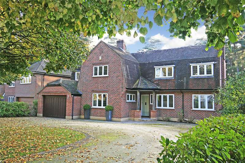 4 Bedrooms Detached House for sale in The Gateway, Woking, Surrey, GU21