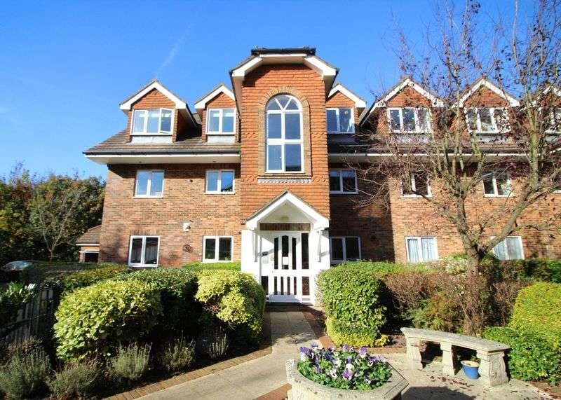 2 Bedrooms Flat for sale in Addington Road, Sanderstead, Surrey