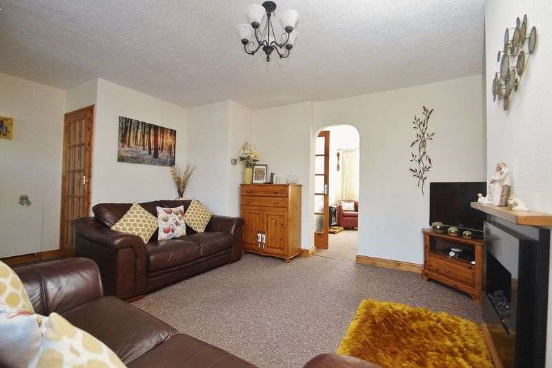3 Bedrooms Semi Detached House for sale in Northam Close, Marshside