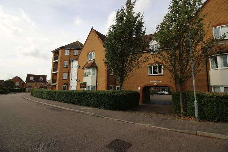 2 Bedrooms Flat for sale in Chelsea Gardens, Church Langley, CM17
