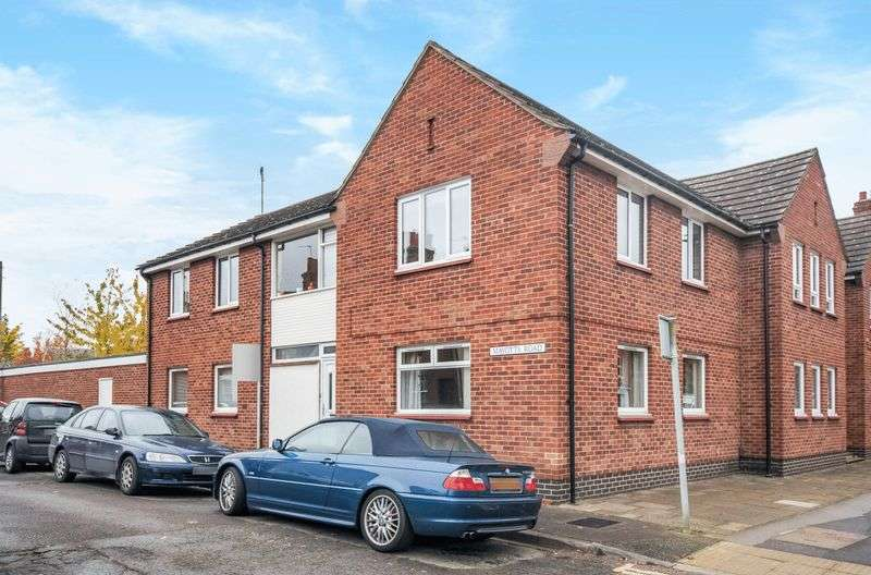2 Bedrooms Flat for sale in Mayotts Road, Abingdon