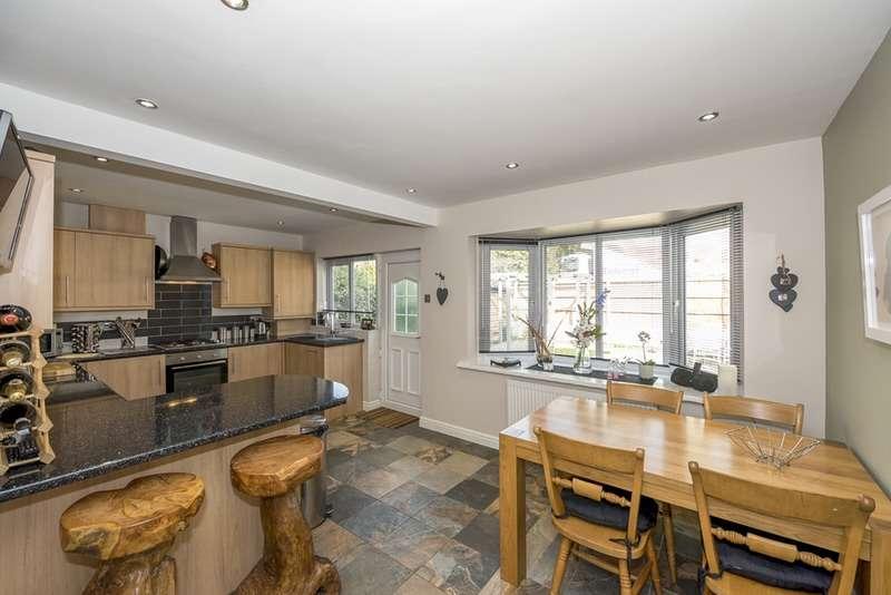 3 Bedrooms Detached House for sale in Langton Close, Eccleston, Lancashire, PR7