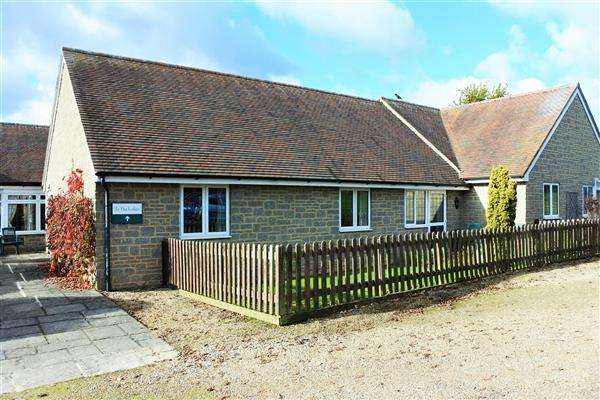 2 Bedrooms Bungalow for sale in Bay Road,, The Malthouse, Gillingham