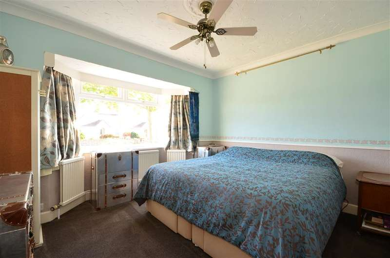 3 Bedrooms Semi Detached Bungalow for sale in Parklands Road, Chichester, West Sussex