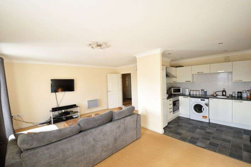 2 Bedrooms Flat for sale in Cheena Court, Queens Hill, Costessey
