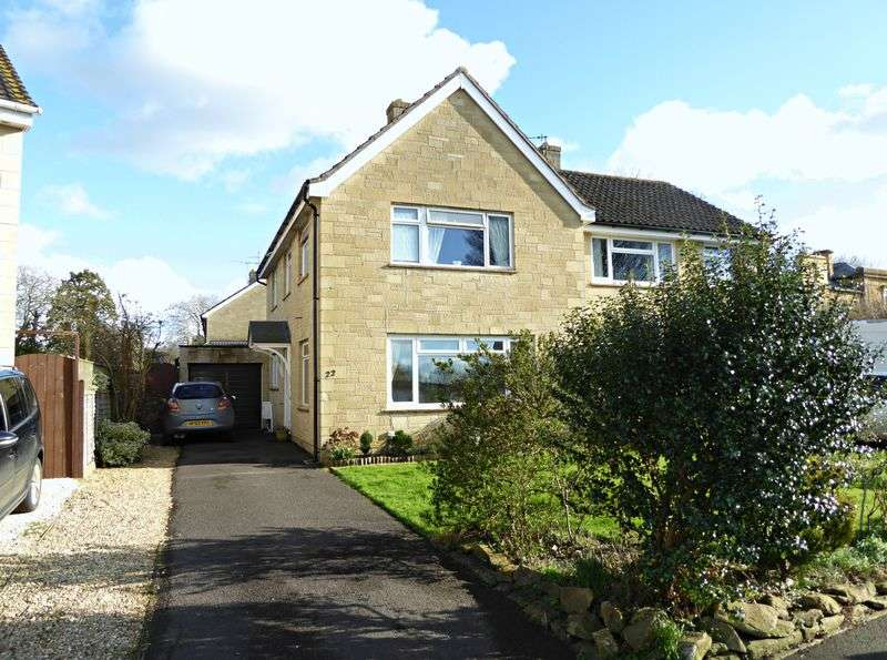 3 Bedrooms Semi Detached House for sale in Ashfield Park, Martock