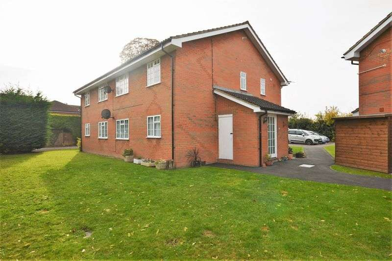2 Bedrooms Flat for sale in Princes Risborough