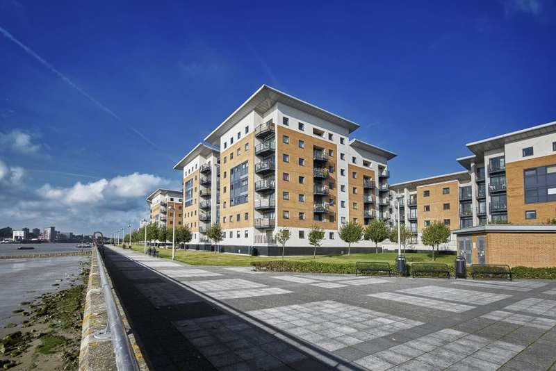 2 Bedrooms Apartment Flat for sale in Fishguard Way, London, E16