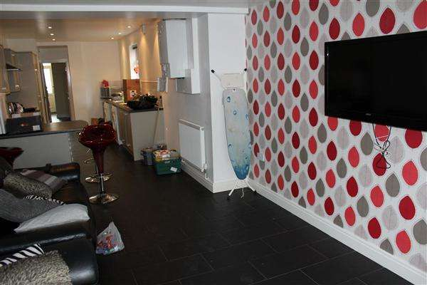 7 Bedrooms Terraced House for rent in Llantrisant Street, Cathays, Cardiff