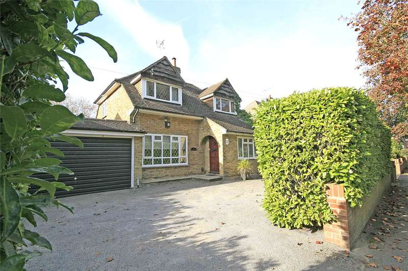 3 Bedrooms Detached House for sale in Coldharbour Road, Pyrford, Surrey, GU22