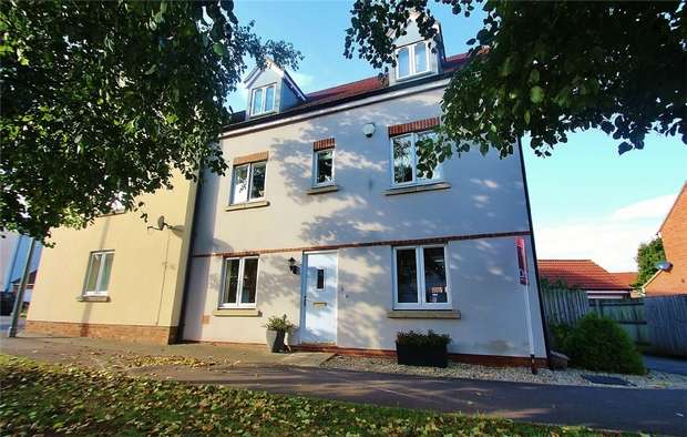 4 Bedrooms Town House for sale in Finisterre Parade, Portishead, North Somerset