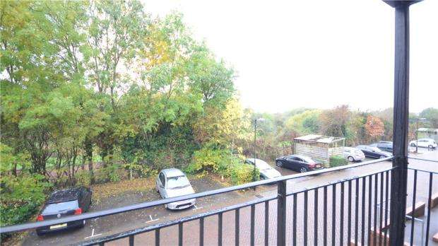 1 Bedroom Apartment Flat for sale in Meadow Way, Caversham, Reading