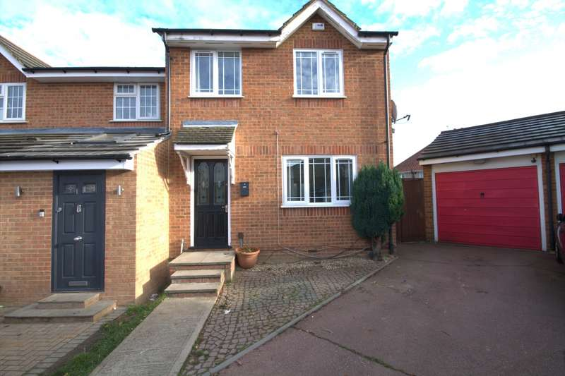 3 Bedrooms End Of Terrace House for sale in Redford Close, Feltham, TW13