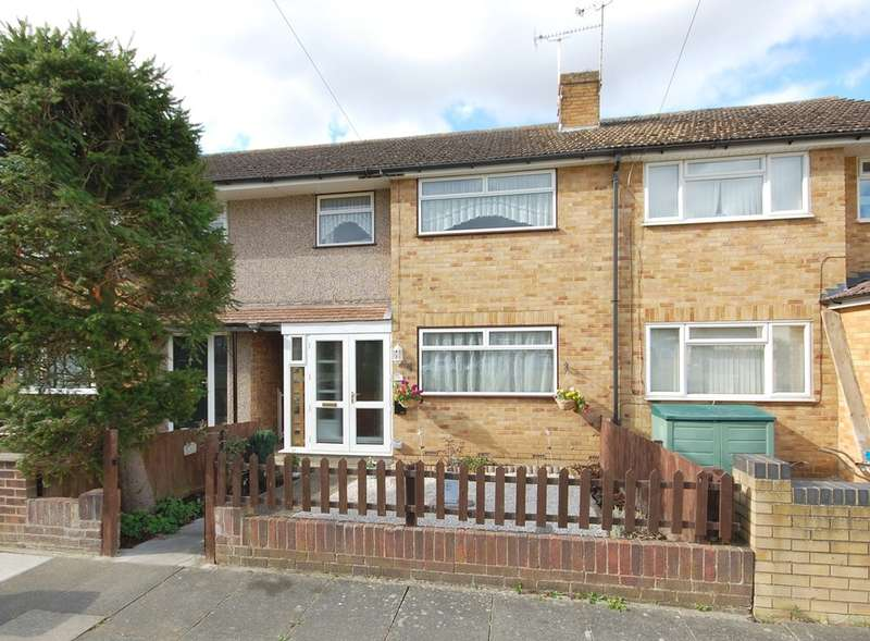 3 Bedrooms Terraced House for sale in Lime Walk, Moulsham Lodge, Chelmsford, CM2