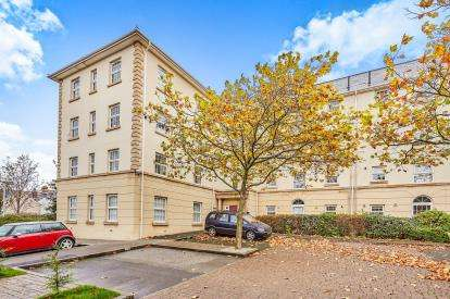2 Bedrooms Flat for sale in Freedom Fields, Plymouth, England