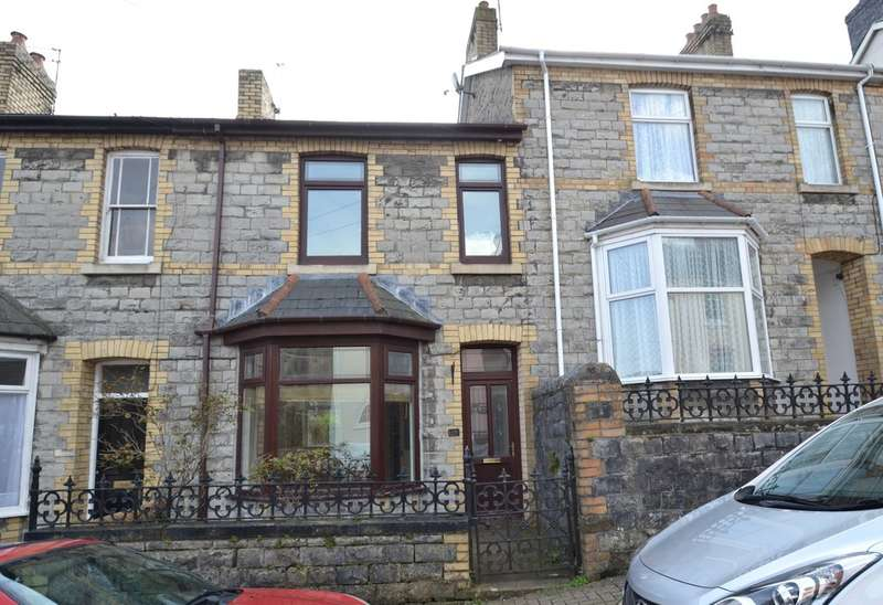 3 Bedrooms Terraced House for sale in 15 Newcastle Hill, Bridgend, CF31 4EY