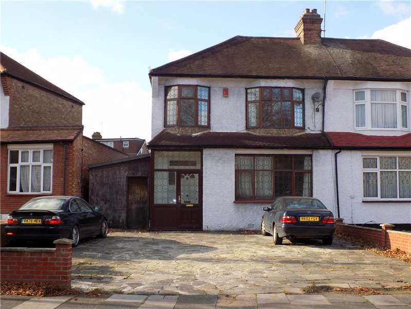 3 Bedrooms Semi Detached House for sale in Village Road, Enfield, EN1