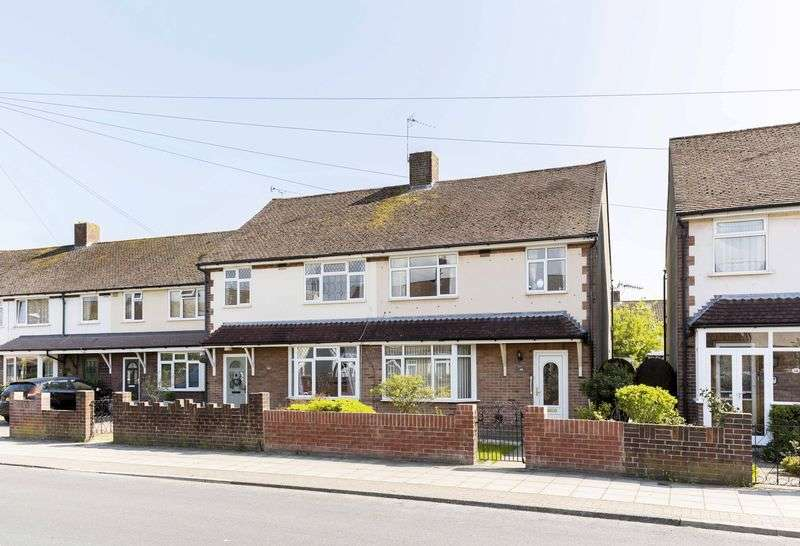 3 Bedrooms Semi Detached House for sale in Old Manor Way, Drayton