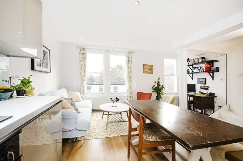 2 Bedrooms Maisonette Flat for sale in Glenarm Road, Clapton, E5