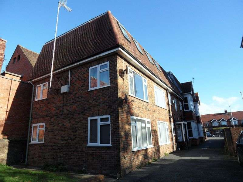 Flat for sale in Broadwater Road, Worthing