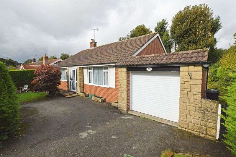 3 Bedrooms Detached Bungalow for sale in Shops within 0.2 mile - Four Marks, Alton, Hampshire