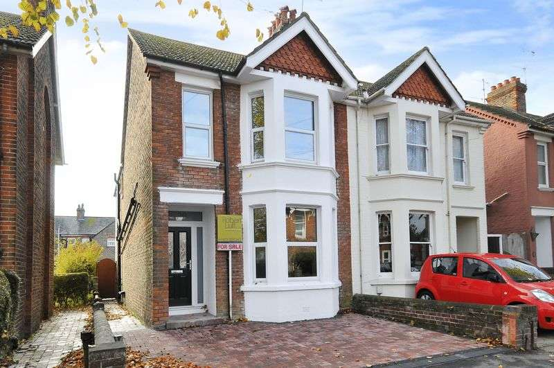 3 Bedrooms Semi Detached House for sale in Kingsland Road, Worthing
