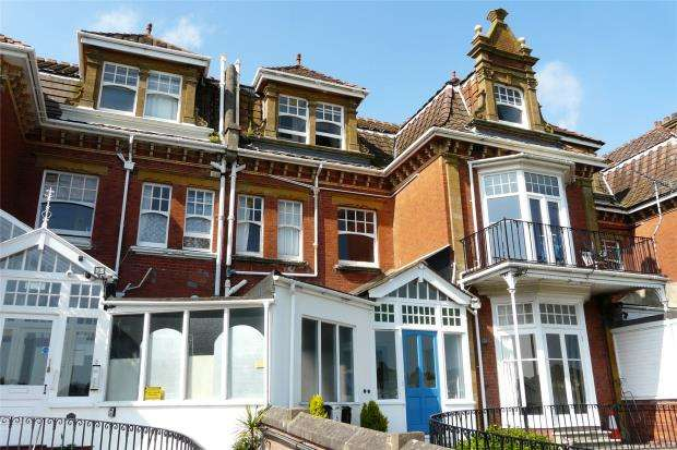 2 Bedrooms Flat for sale in Queens Park Road, Paignton, Devon