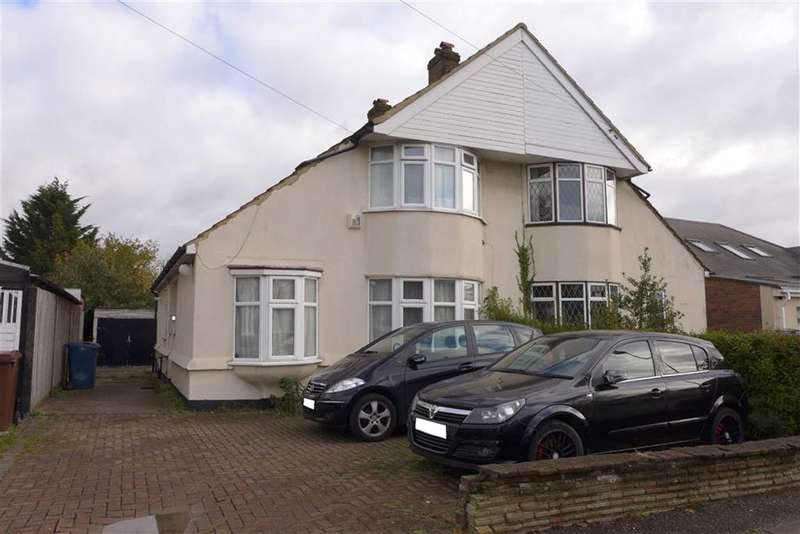 3 Bedrooms Property for sale in Borrowdale Avenue, Harrow Weald, Middlesex