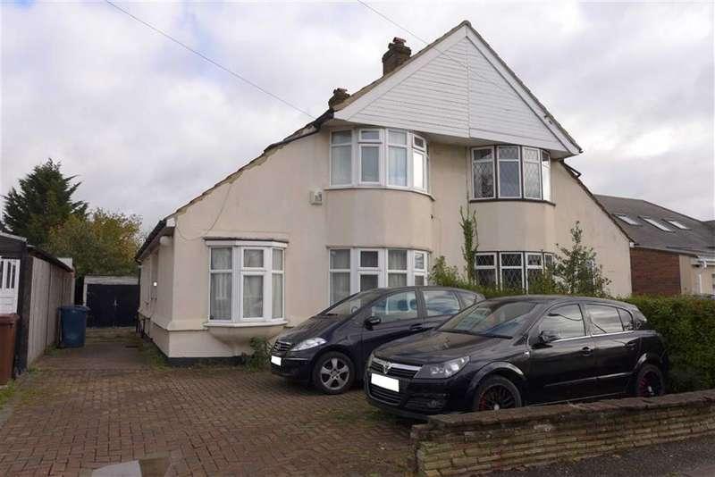 3 Bedrooms Property for sale in Borrowdale Avenue, Harrow Weald, Middlesex