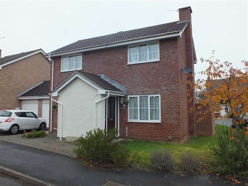 3 Bedrooms Property for sale in Lydiard Way, Trowbridge, Wiltshire, BA14