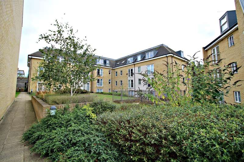 1 Bedroom Flat for sale in Grove Road, Hitchin, SG4