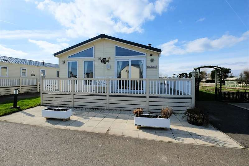 2 Bedrooms Park Home Mobile Home for sale in Delta Desire, Seaview Holiday Park, SWALECLIFFE, CT5