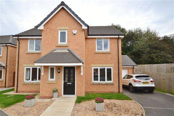 4 Bedrooms Detached House for sale in Whittle Hills Close, Whittle Le Woods, Chorley