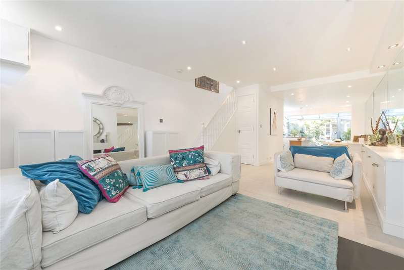 4 Bedrooms House for sale in Battersea Church Road, London, SW11