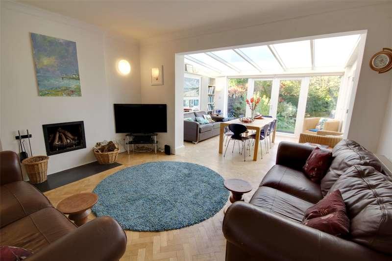 5 Bedrooms Detached Bungalow for sale in Woodham Park Road, Woodham, Surrey, KT15