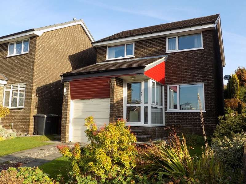 3 Bedrooms Detached House for sale in Clifton Drive, Buxton